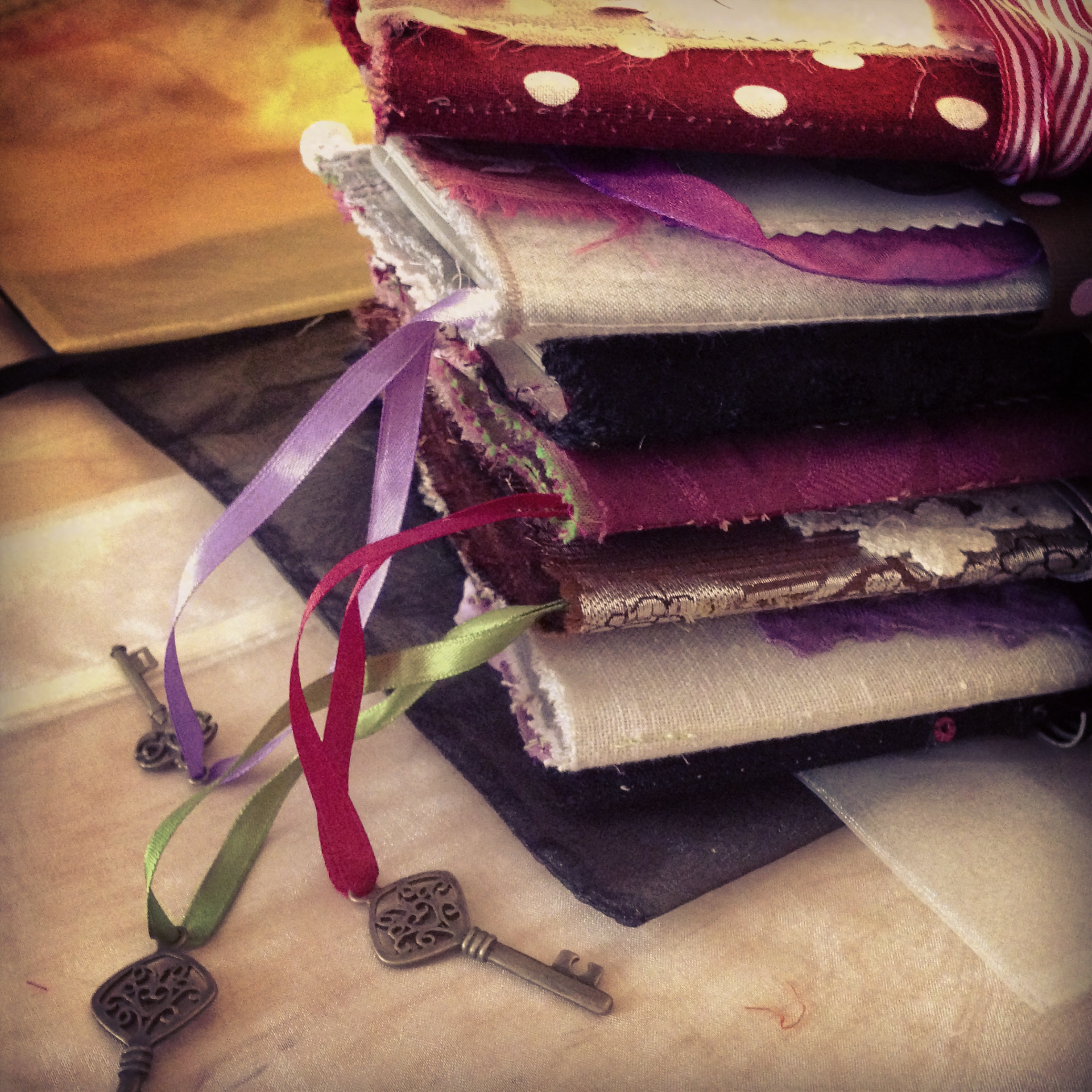Handmade fabric journals - 2013 © Anne-Julie Aubry