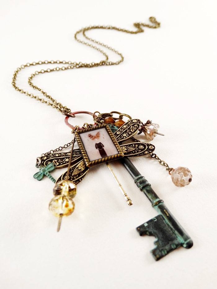 The Guardian of Keys necklace - 2013 © Anne-Julie Aubry