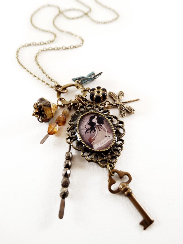 Il Etait une Fois necklace - 2013 © Anne-Julie Aubry