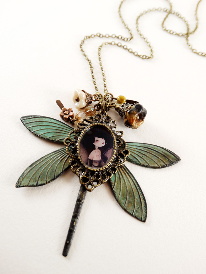 Lily necklace - 2013 © Anne-Julie Aubry