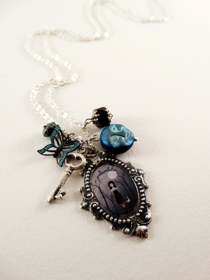 Melancholia necklace - 2013 © Anne-Julie Aubry