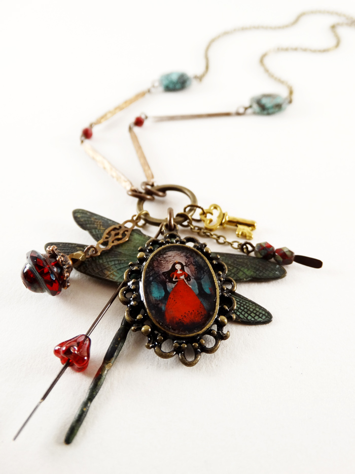 The Enchanted Forest necklace - 2013 © Anne-Julie Aubry