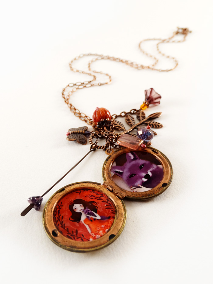 Purple Fox necklace - 2013 © Anne-Julie Aubry