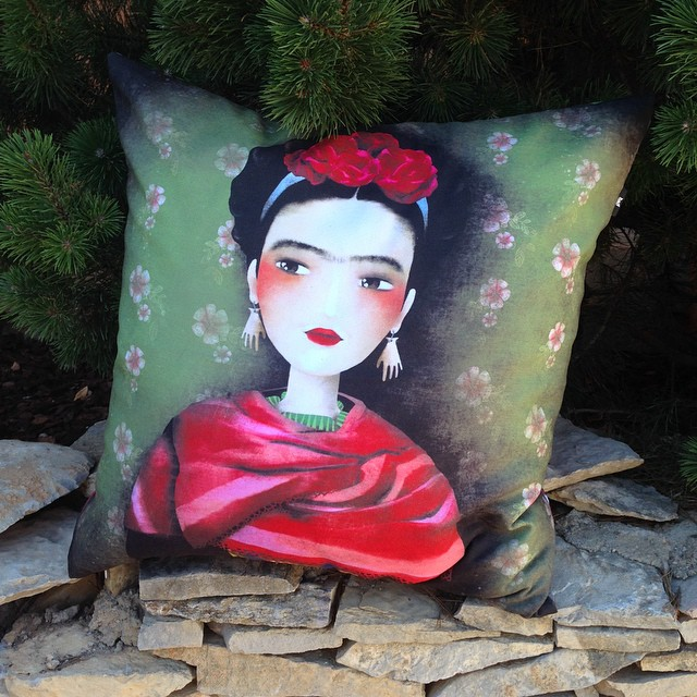pillow cover by Anne-Julie Aubry - available at : http://envelop.eu/shop/designers/p/detail/the-nebulous-kingdom